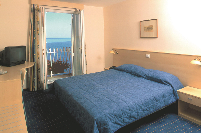 Hotel Piran, Piran, Slovenia - bedroom.jpg